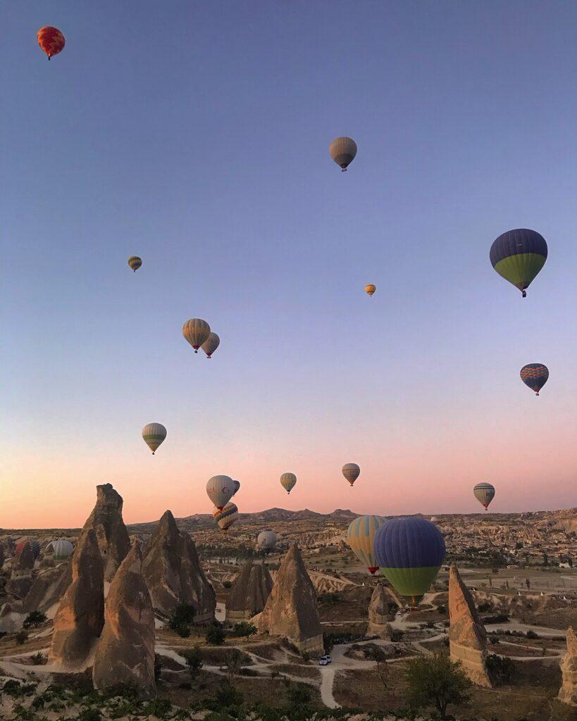 Alba dalla mongolfiera in Turchia, Cappadocia
