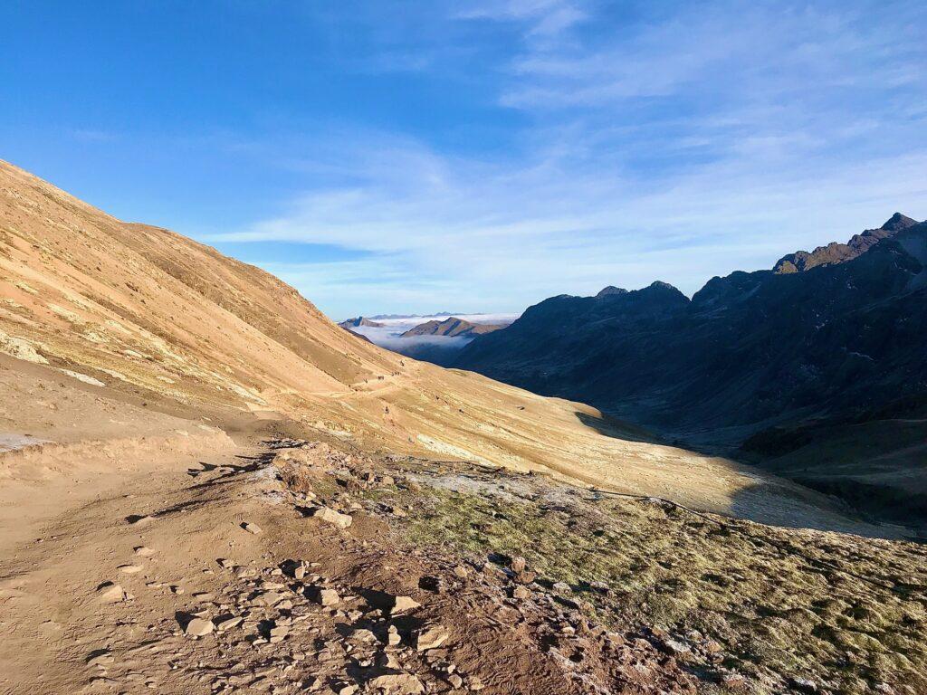 inizio trekking montagna Vinicunca