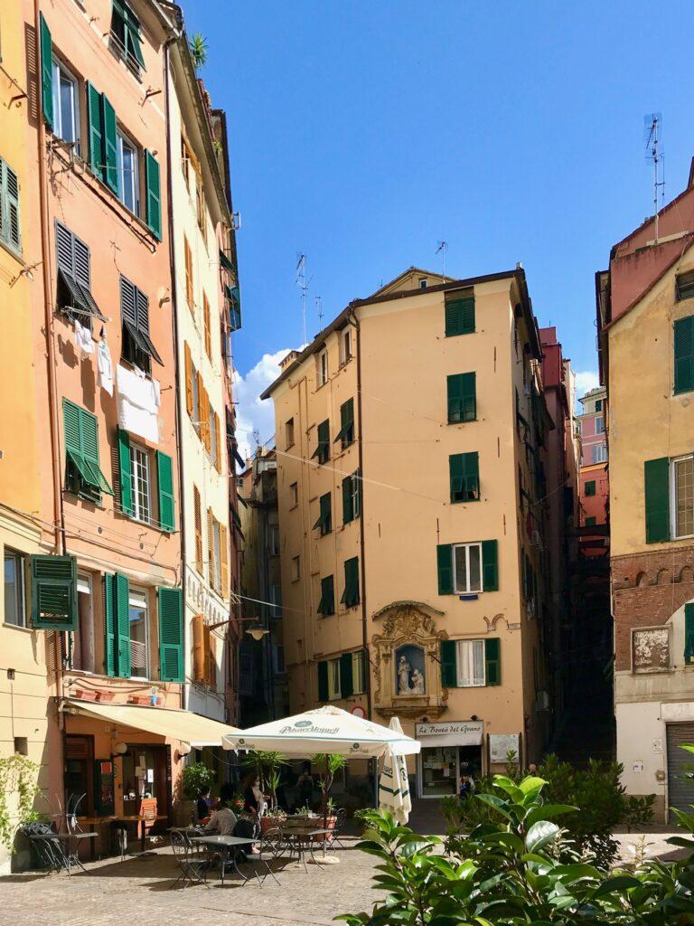 Piazza del Carmine, Genova