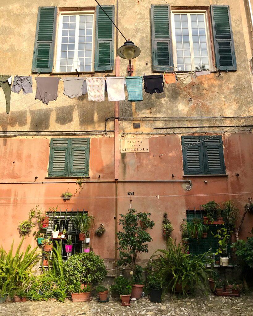 Piazza della Giuggiola, Genova